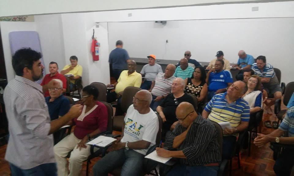 Atenágoras da CONLUTAS repassa experiências e conhecimentos aos dirigentes da COBAP