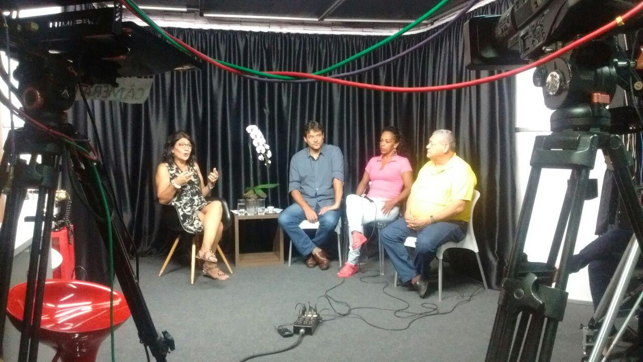 Warley é entrevistado no programa Lado a Lado com Beth
